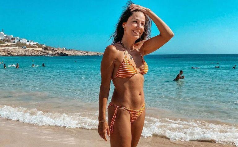 Κατερίνα Παπουτσάκη: Μαυρισμένη και χωρίς καθόλου μακιγιάζ στη νέα της φωτογραφία | to10.gr