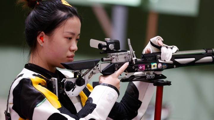 «Χρυσή» η Κίνα στα 10μ. αεροβόλο τουφέκι | to10.gr