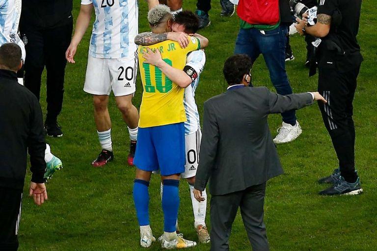 Νεϊμάρ σε Μέσι: «Συγχαρητήρια αδερφέ μου, το ποδόσφαιρο περίμενε αυτή τη στιγμή» (vid)   to10.gr