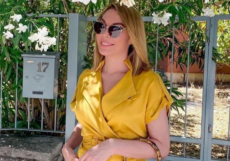 Τατιάνα Στεφανίδου – Η φωτογραφία με λευκό ολόσωμο μαγιό από τις καλοκαιρινές διακοπές στο Ιόνιο | to10.gr
