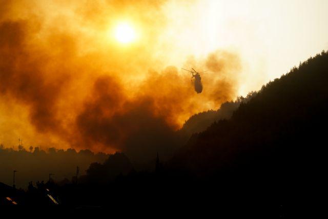 Εκτός ελέγχου η φωτιά στην Ηλεία – 100 εγκλωβισμένοι στο χωριό Κλάδεος – Εκκενώνονται οικισμοί   to10.gr