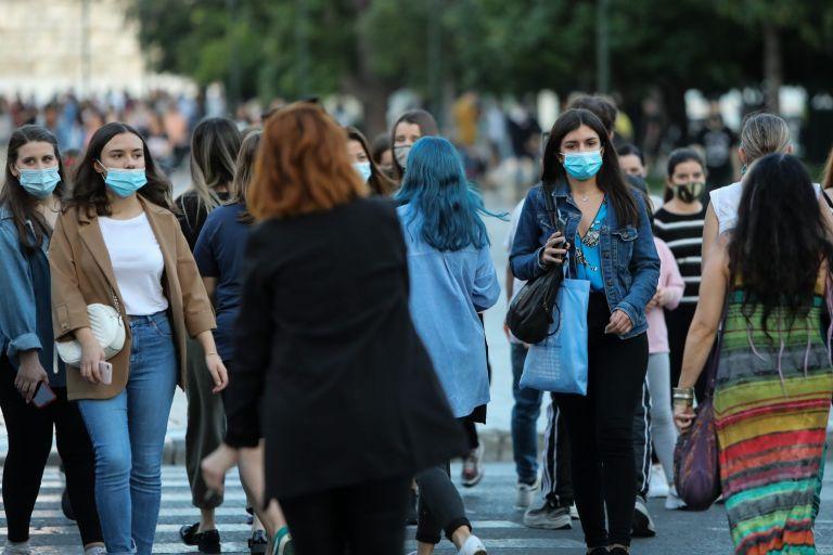 Χωρίς μάσκα σε εξωτερικό χώρο μπορεί να κολλήσουμε κορωνοϊό σε 10 δευτερόλεπτα   to10.gr