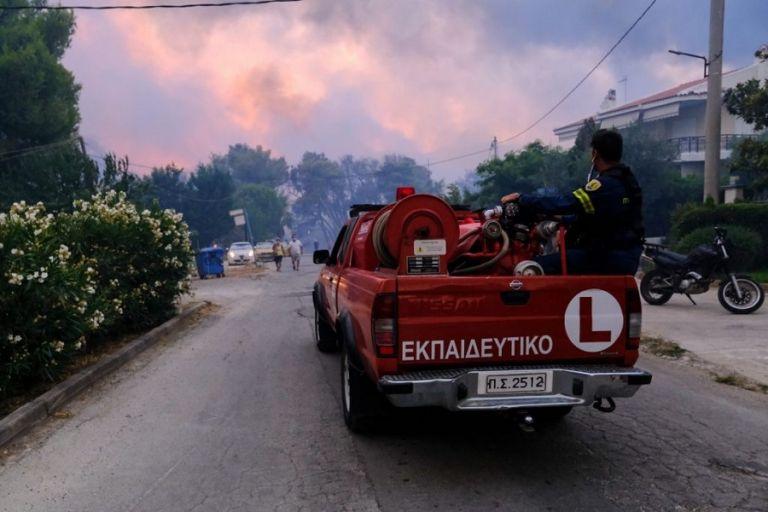 Φωτιά στη Βαρυμπόμπη – Πώς εξαπλώθηκε από ώρα σε ώρα   to10.gr