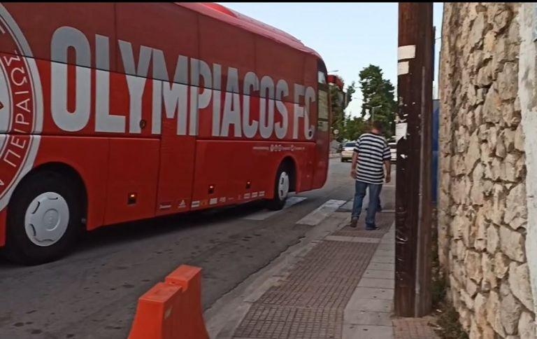 Λαμία – Ολυμπιακός – Η άφιξη των Ερυθρόλευκων (vid) | to10.gr