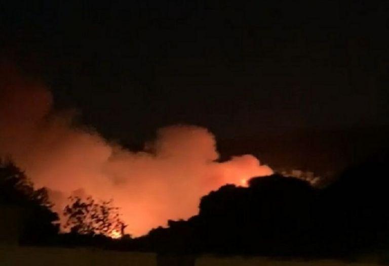Συναγερμός στην πυροσβεστική – Μεγάλη φωτιά στην Νέα Μάκρη | to10.gr