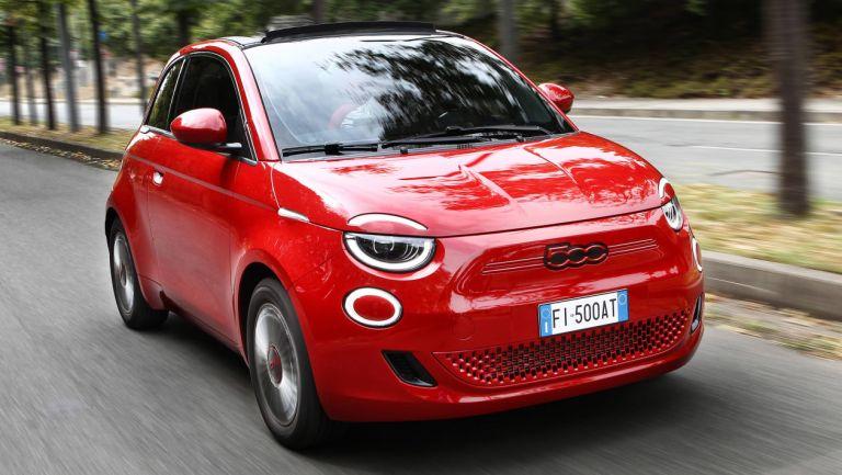 Fiat (500) RED – Ηλεκτρισμός στα κόκκινα για καλό σκοπό   to10.gr