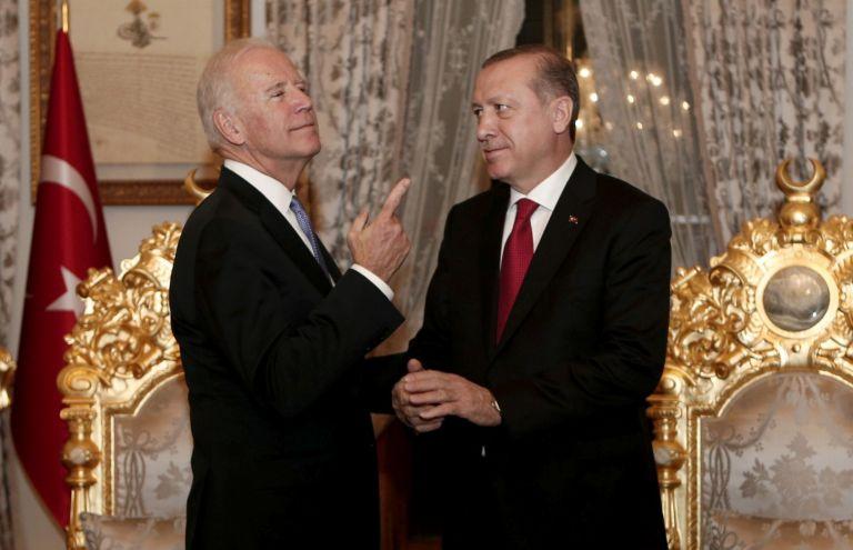 Βαθαίνει το ρήγμα στις σχέσεις ΗΠΑ – Τουρκίας – Νέα επίθεση της Άγκυρας και απειλές από την Ουάσιγκτον | to10.gr