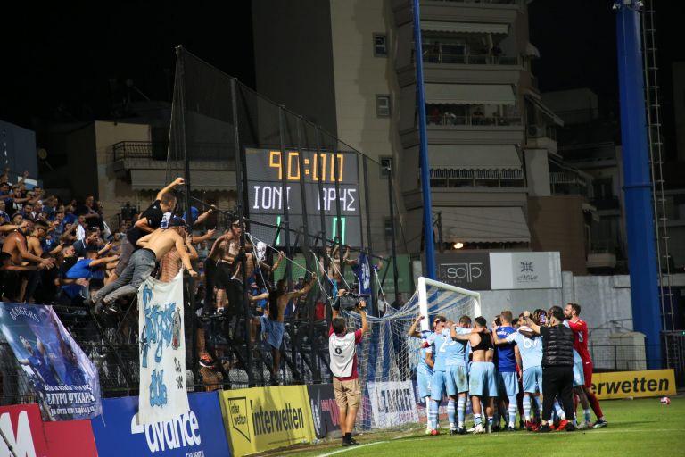 Οι πανηγυρισμοί στη Νίκαια για τη νίκη του Ιωνικού (vid) | to10.gr