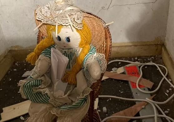 Βρήκε ανατριχιαστικό σημείωμα σε κούκλα στο νέο του σπίτι – «Σκότωσα τους προηγούμενους ιδιοκτήτες» | to10.gr