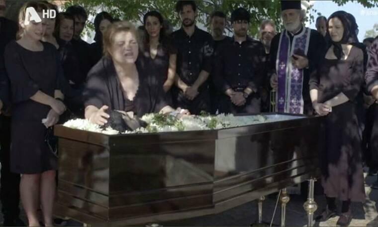Κοιμήθηκε στο φέρετρο ο Τάσος Νούσιας – Διαβάστε τι απίστευτο συνέβη (Vid)   to10.gr