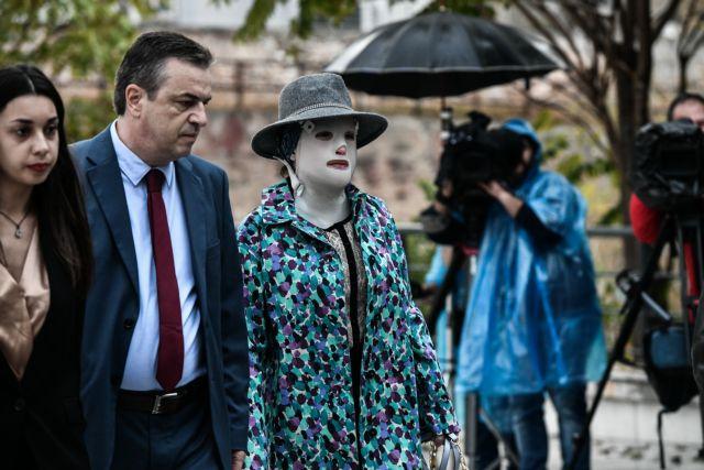 Δίκη για βιτριόλι – Ξεκινά η απολογία της 37χρονης – Στο δικαστήριο και η Ιωάννα | to10.gr